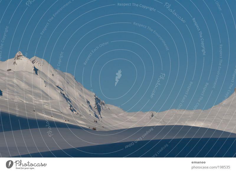 Bergebenen Natur blau Ferien & Urlaub & Reisen Winter kalt Schnee Freiheit Berge u. Gebirge Landschaft Wetter Eis Freizeit & Hobby Ausflug hoch Tourismus Frost
