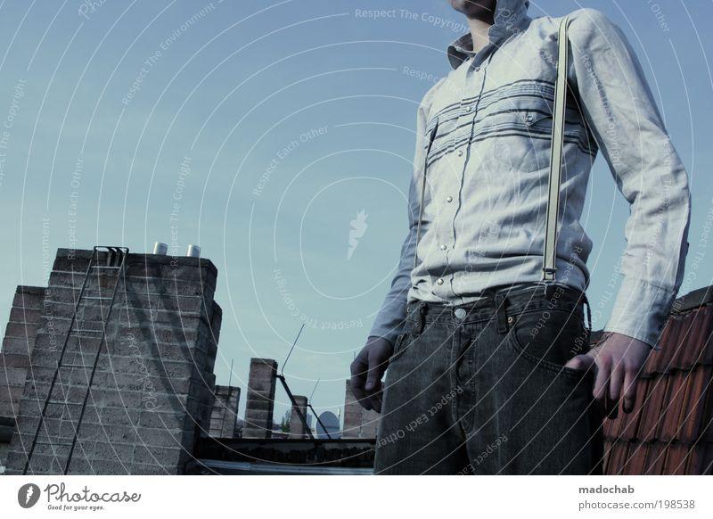 Icke Stil Mensch Junger Mann Jugendliche Erwachsene Leben 1 18-30 Jahre Berlin Fassade Dach Mode Jeanshose Tapferkeit selbstbewußt Coolness Kraft Mut ästhetisch