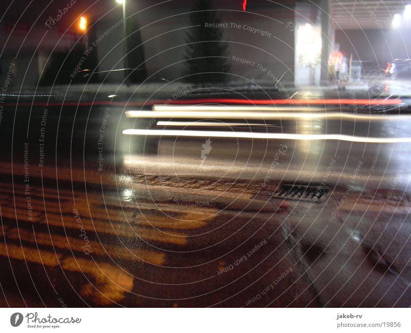 Tankstelle bei Nacht Langzeitbelichtung Dienstleistungsgewerbe Straße