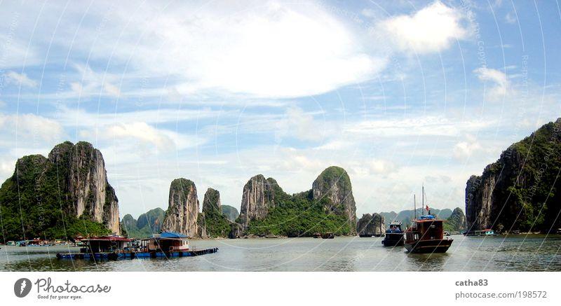 der untertauchende Drache Natur Wasser Meer Ferien & Urlaub & Reisen Wolken Ferne Landschaft Abenteuer Tourismus Hafen Bucht Schifffahrt exotisch Asien