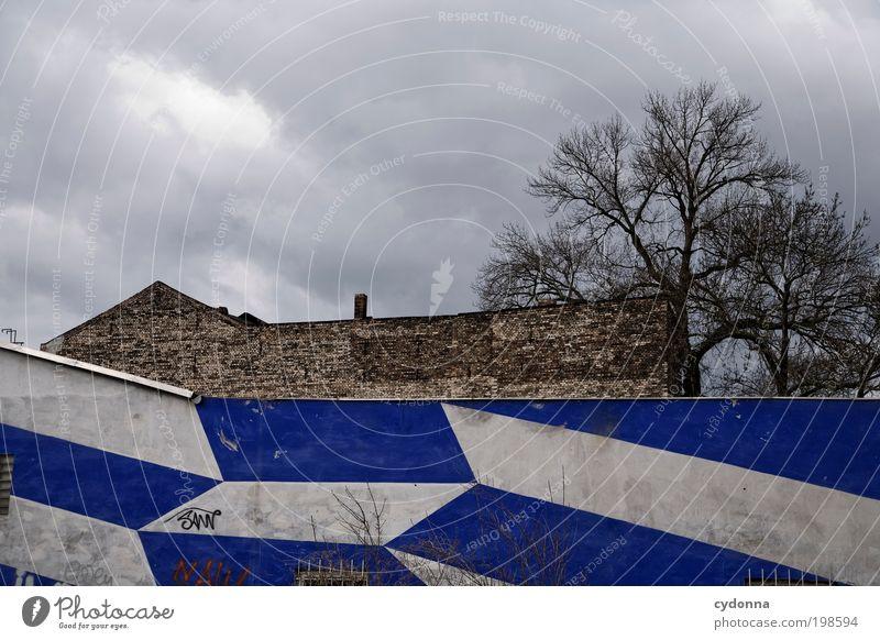 [HAL] Stadtdynamik Baum Wolken ruhig Einsamkeit Haus Leben Wand Freiheit Architektur Stil Mauer träumen Linie Wetter Zeit Fassade