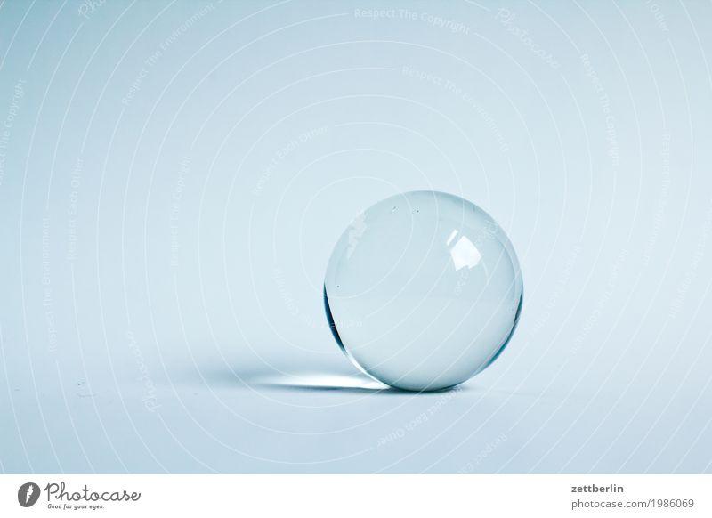Die Zukunft Ball Glas Glaskugel Horoskop Kreis Eiskristall Kristallkugel Kugel rund Textfreiraum Wahrsagerei Licht hell durchsichtig