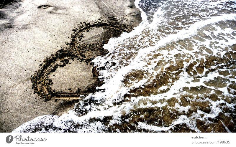 Herzüberschwemmung. Sommer Strand Meer Wellen Zeichen