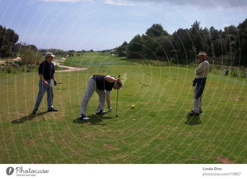 Abschlag am 5. Loch Mensch Mann Natur Ferien & Urlaub & Reisen Sport Landschaft Golf Spanien Mallorca Golfplatz Abschlag