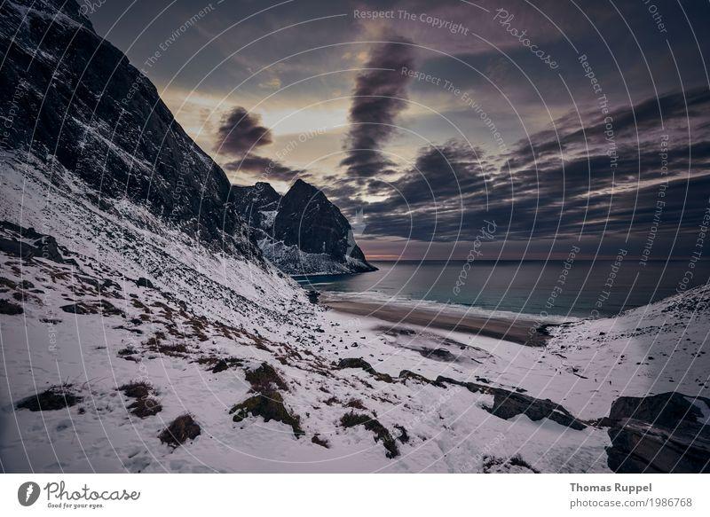 Lofoten Himmel Natur Ferien & Urlaub & Reisen blau Wasser weiß Landschaft Meer Wolken Ferne Winter Strand Berge u. Gebirge Schnee Küste Freiheit