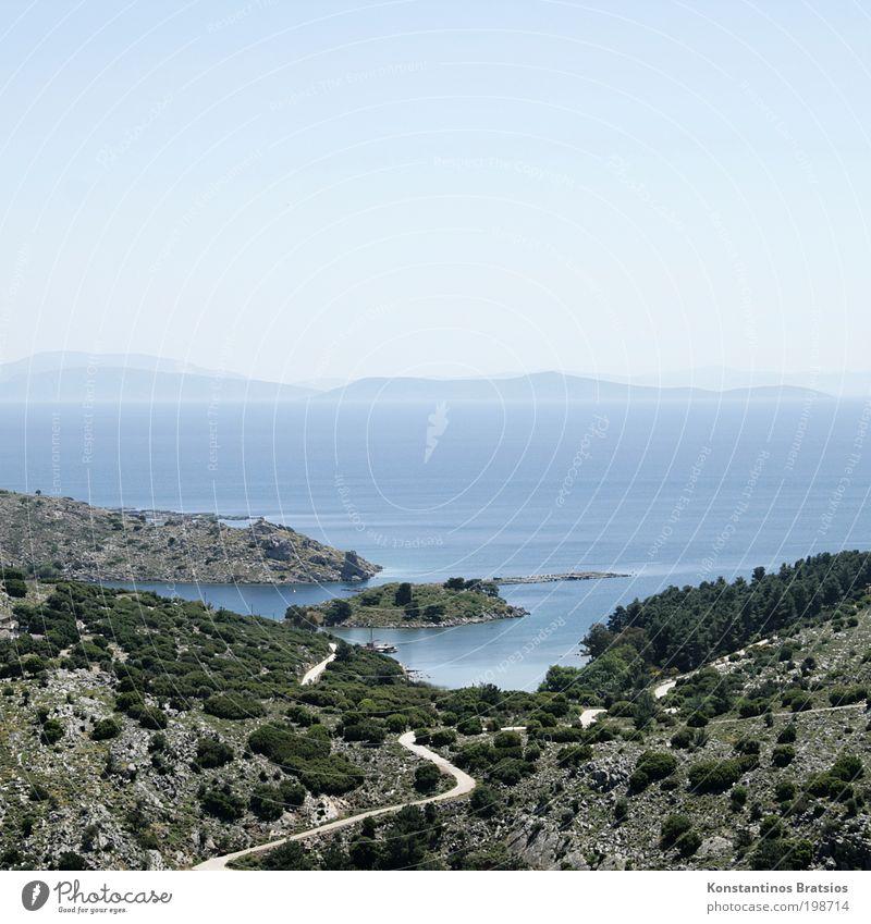 der Weg zum Meer Ferien & Urlaub & Reisen Ausflug Sommerurlaub Landschaft Himmel Horizont Schönes Wetter Wärme Pflanze Baum Sträucher Bucht Mittelmeer hell