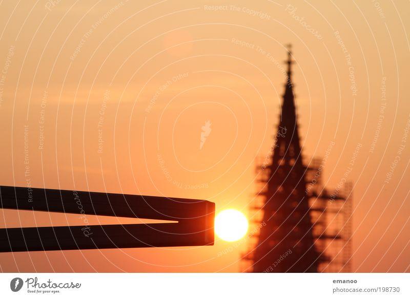 Anstoss Sonne Ferien & Urlaub & Reisen Sommer Wärme Religion & Glaube Stein Ausflug hoch Tourismus Hoffnung Kirche Turm Dach Bauwerk berühren Kreuz