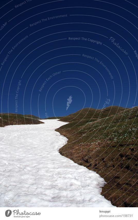 highway to heaven Himmel Natur weiß blau Pflanze Winter ruhig Wiese Schnee Freiheit Berge u. Gebirge Landschaft Umwelt Gras Frühling Luft