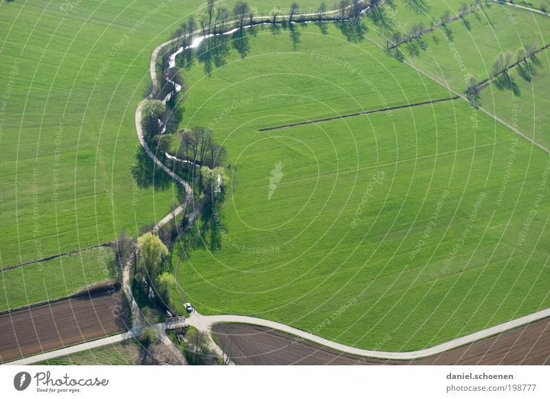 neulich mit dem Hubschrauber Umwelt Natur Landschaft Frühling Feld Verkehrswege Straße Straßenkreuzung Wegkreuzung Wege & Pfade grün Luftaufnahme