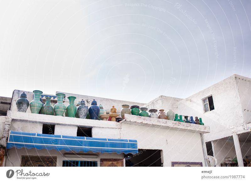 Keramik Arbeitsplatz Fabrik keramikfabrik Haus Souvenir Sammlung alt blau Marokko Vase Farbfoto mehrfarbig Außenaufnahme Menschenleer Textfreiraum oben Tag