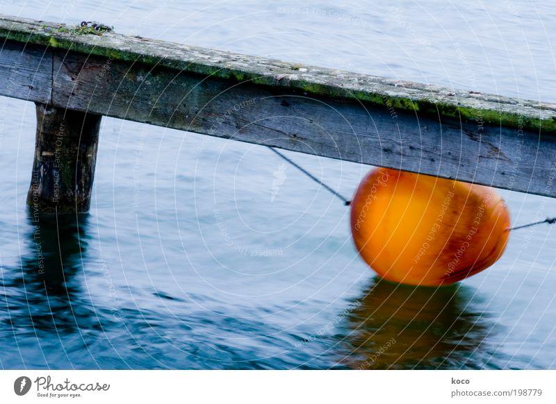 Bob die Boje blau Wasser rot Meer gelb Holz Küste See Wellen Wind Schwimmen & Baden nass außergewöhnlich rund Kunststoff Seeufer