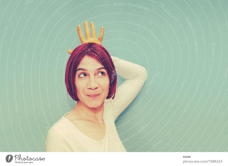 Krone richten Mensch Frau Hand rot lustig feminin türkis Prinzessin Königlich Adel