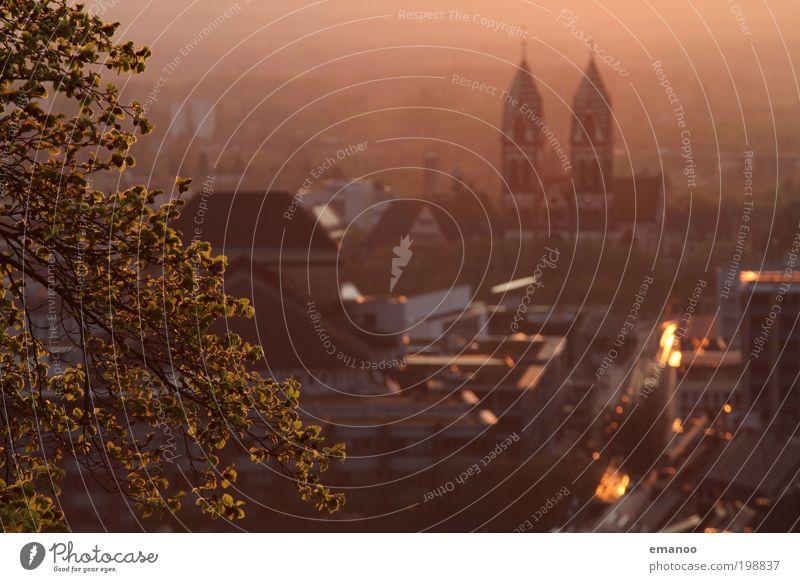 Städtchen Ferien & Urlaub & Reisen Stadt Pflanze Sommer Sonne Baum Haus Berge u. Gebirge Wärme Gebäude Sträucher Tourismus Klima hoch Ausflug Schönes Wetter