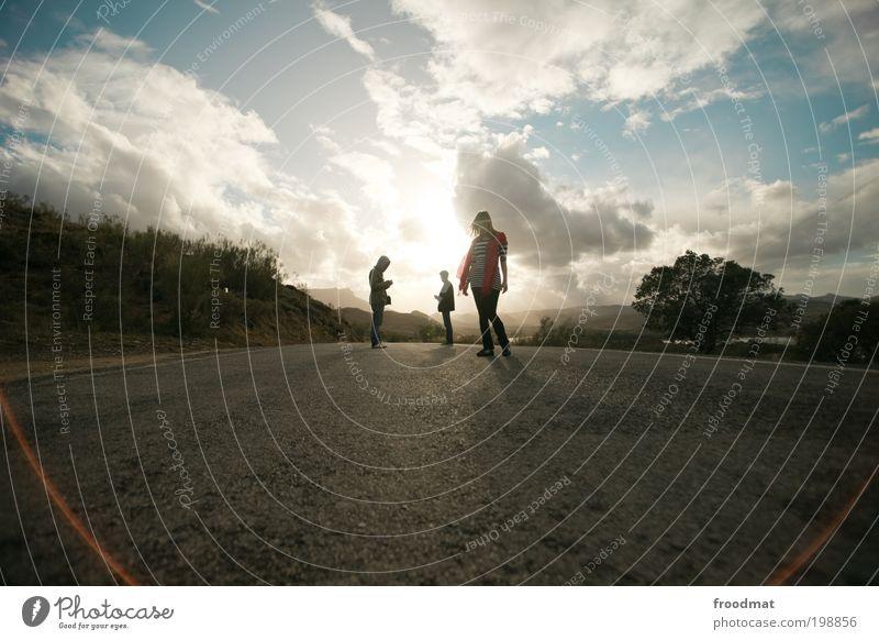 asphalttiere Mensch Jugendliche Ferien & Urlaub & Reisen Erholung Menschengruppe maskulin Abenteuer authentisch Coolness einzigartig Asphalt Schönes Wetter entdecken Spanien positiv Straßenverkehr