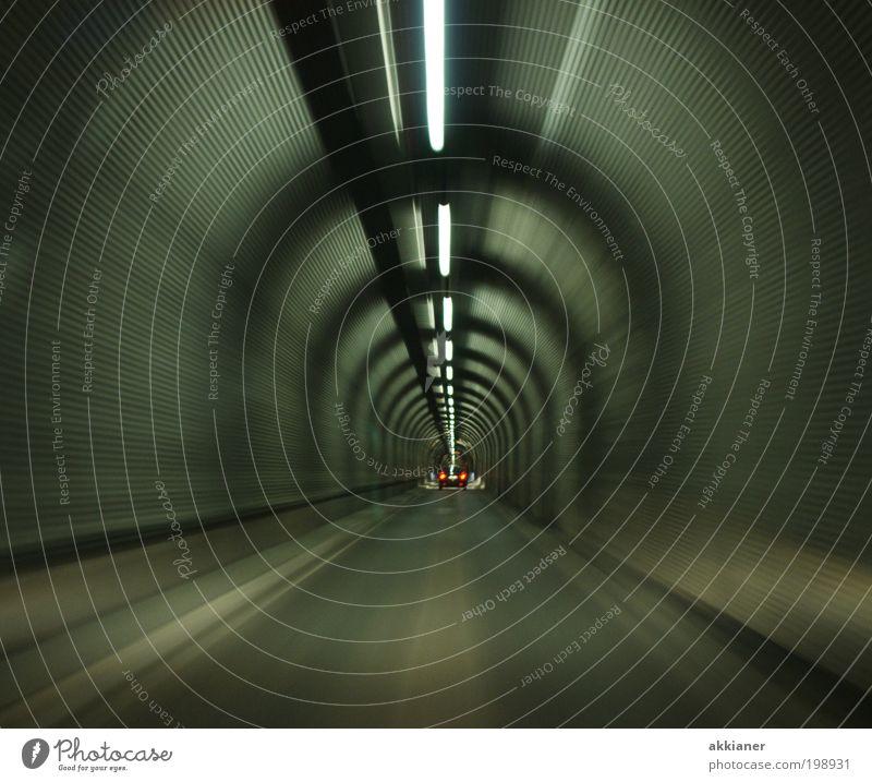 Raunertunnel Straße PKW Straßenverkehr Verkehr leuchten Tunnel Verkehrswege Fahrzeug Personenverkehr Verkehrsmittel mehrfarbig