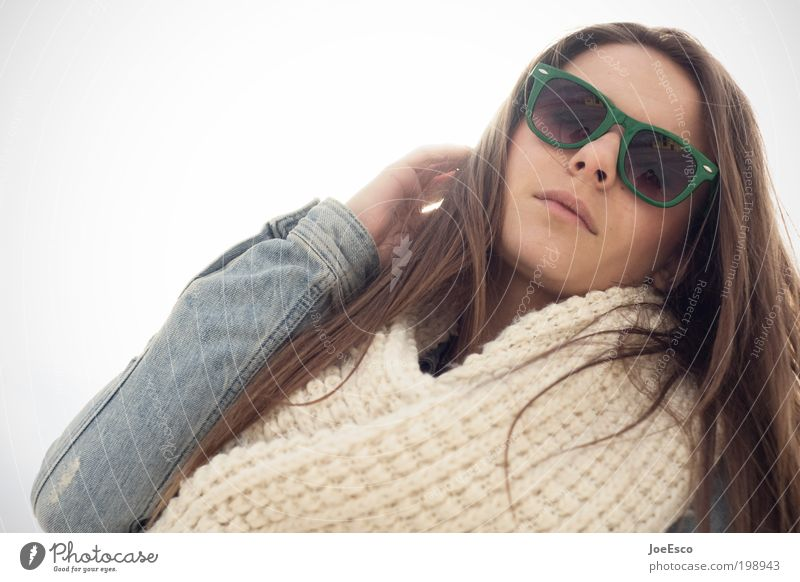 #198943 Mensch Frau Erwachsene Leben Gesicht Mode Brille trendy schön Farbfoto Gedeckte Farben Gegenlicht Porträt Oberkörper