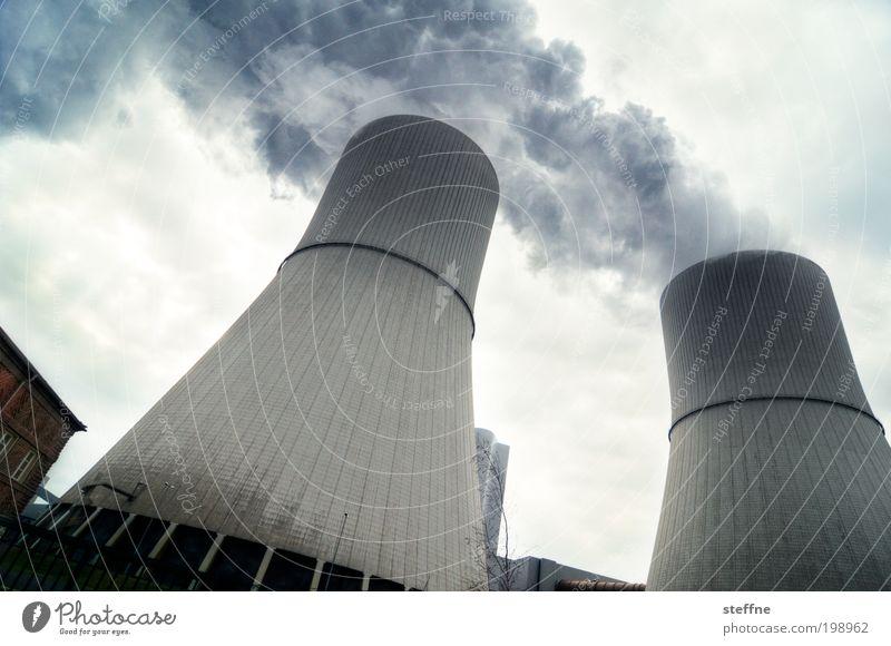 Doppelauspuff Energiewirtschaft Kohlekraftwerk Energiekrise Industrie Stress Abgas Schornstein Heizkraftwerk Kühlturm Umweltverschmutzung neue technologien