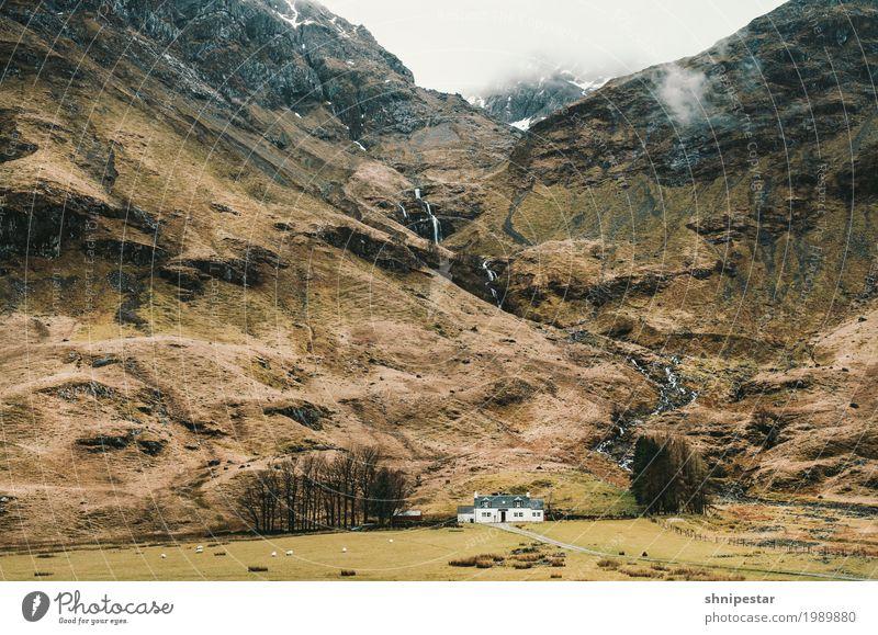 Glen Coe Berge u. Gebirge wandern Umwelt Natur Landschaft Pflanze Urelemente Erde Sand Himmel Wolken Highlands Schneebedeckte Gipfel Schlucht Wasserfall