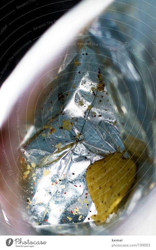 Das Letzte Ernährung Einsamkeit gelb Lebensmittel leer Boden lecker Appetit & Hunger genießen silber Tüte Verpackung Fastfood letzte Snack Nahaufnahme