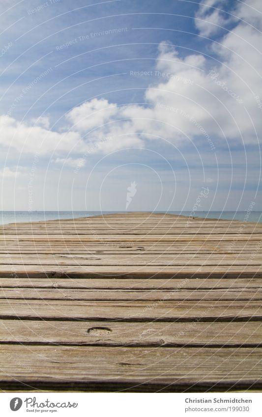 Weg zur See Wasser Meer blau Sommer Ferien & Urlaub & Reisen ruhig Wolken Ferne Erholung Freiheit Holz träumen See braun Horizont
