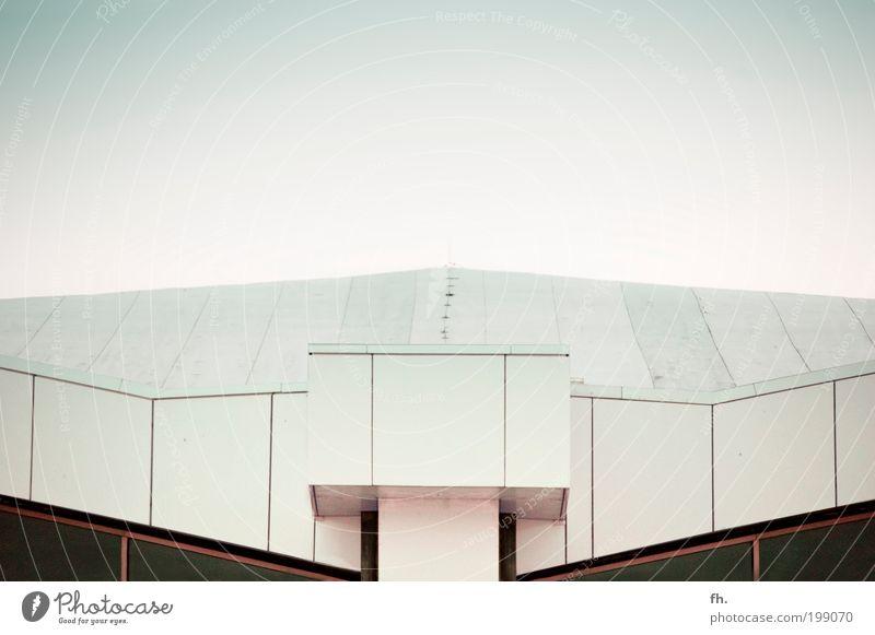 In der Waage weiß schön Haus Freiheit Architektur Kunst Tanzen Zufriedenheit elegant Fassade Design Zukunft Kultur einzigartig Dach