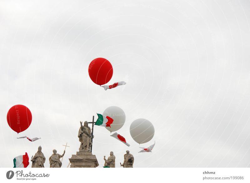 Himmelfahrt rot Wolken Stein Religion & Glaube Kunst fliegen Kirche rund Fahne Italien Kugel Kreuz Ballone Skulptur Sehenswürdigkeit