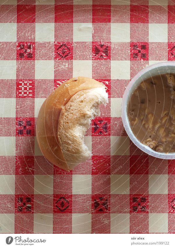 fast food Wärme Lebensmittel genießen lecker Appetit & Hunger Tasse Stillleben Fleisch kariert Tischwäsche Brötchen Nudeln Becher bequem Snack Suppe
