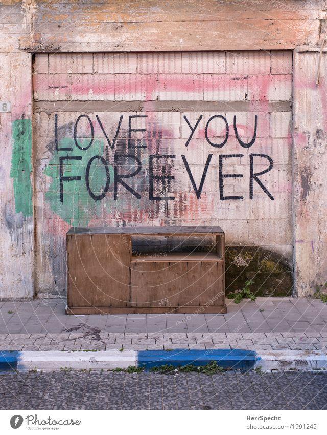 Bestseller Möbel Schreibtisch Altstadt Bauwerk Mauer Wand Fassade Graffiti Coolness trashig unten Liebe Verliebtheit Treue Romantik Liebeserklärung