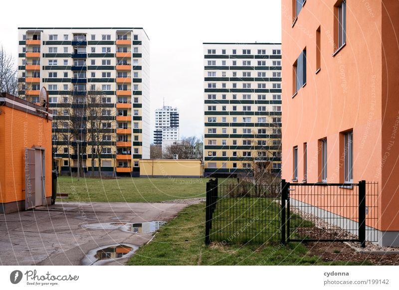 [HAL] LE Neustadt Stadt Einsamkeit Leben Arbeit & Erwerbstätigkeit Wiese Stil träumen Architektur Umwelt Fassade Perspektive Zukunft Haus Bildung