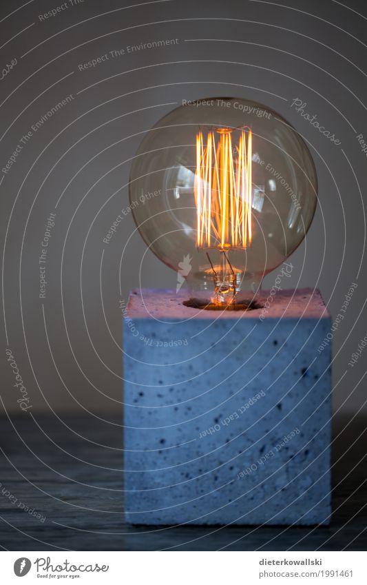 Lampe I Umwelt leuchten Licht Wärme kalt Kunstlicht Design glühen glühend Glühdraht Beton Farbfoto Innenaufnahme Menschenleer Textfreiraum unten Tag Kontrast