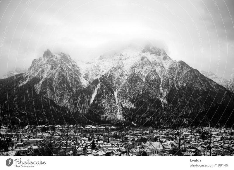 Wolkig Himmel Natur Ferien & Urlaub & Reisen Erholung Landschaft Wolken Winter dunkel Wald Berge u. Gebirge kalt Umwelt Schnee grau Tourismus Ausflug