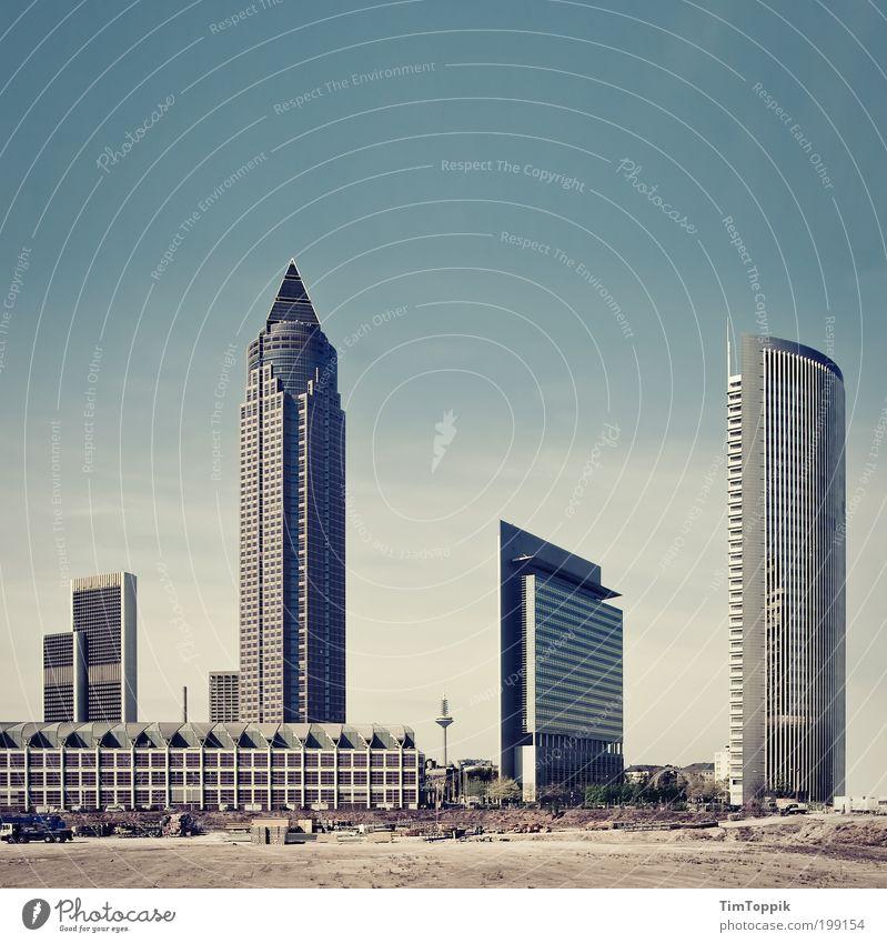 Ffm - Little Dubai Frankfurt am Main heiß Hochhaus Skyline Hessen Bank Fernsehturm Messeturm Wüste Stadt Baustelle hoch Wärme Gedeckte Farben Architektur