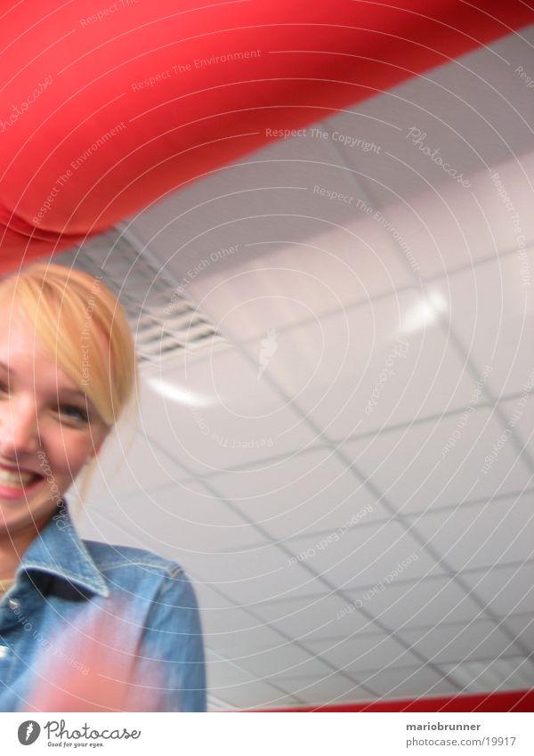 blond Frau lachen lustig
