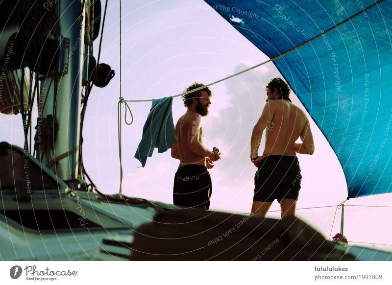 das sind zwei maenner. Abenteuer Freiheit Sommerurlaub Mensch maskulin Junger Mann Jugendliche Freundschaft 2 18-30 Jahre Erwachsene Segelboot Badehose atmen