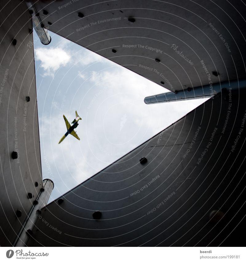bErmudadreieck Ferien & Urlaub & Reisen Tourismus Ausflug Ferne Luftverkehr Verkehr Verkehrsmittel Personenverkehr Flugzeug Passagierflugzeug Flugzeuglandung