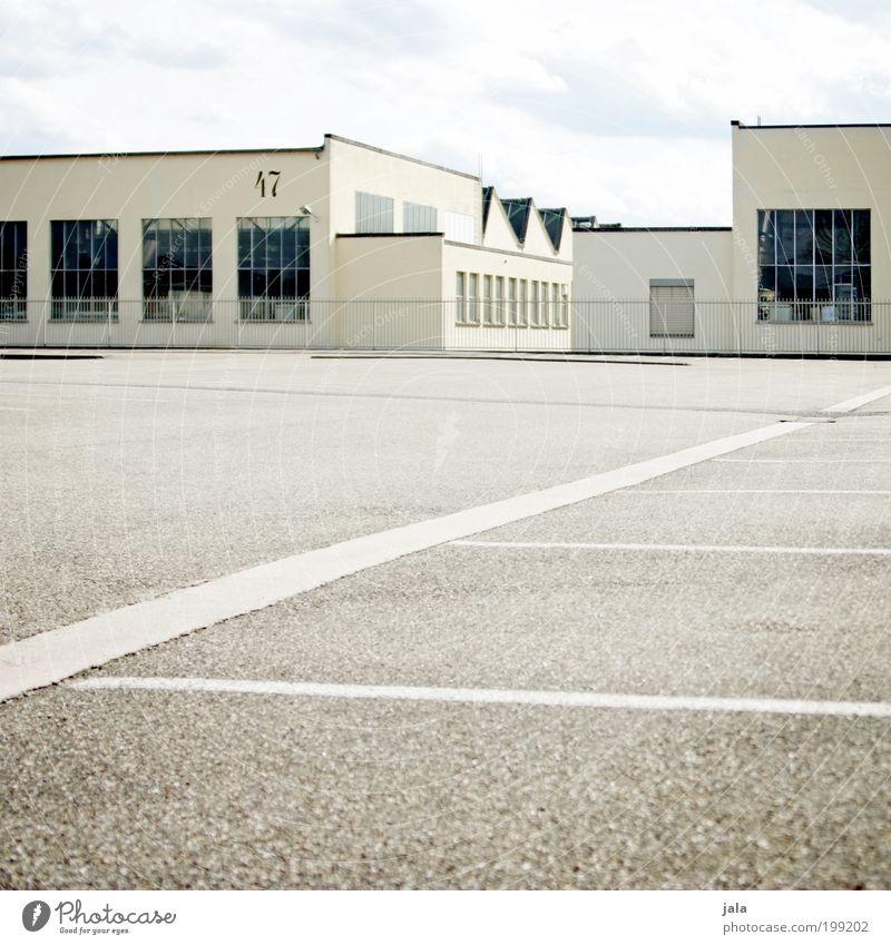 Halle | 47 Himmel Stadt Haus Arbeit & Erwerbstätigkeit Wand Fenster Mauer Gebäude Architektur groß Fassade Industrie Platz Güterverkehr & Logistik Fabrik
