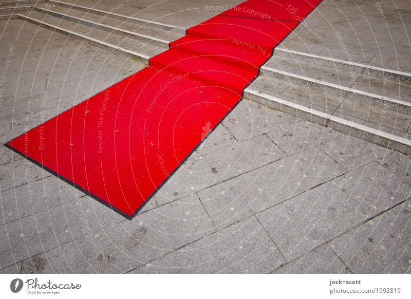 besonderer Weg in rot Reichtum Veranstaltung Feste & Feiern Potsdamer Platz Treppe Roter Teppich authentisch Originalität Ehre Gastfreundschaft elegant