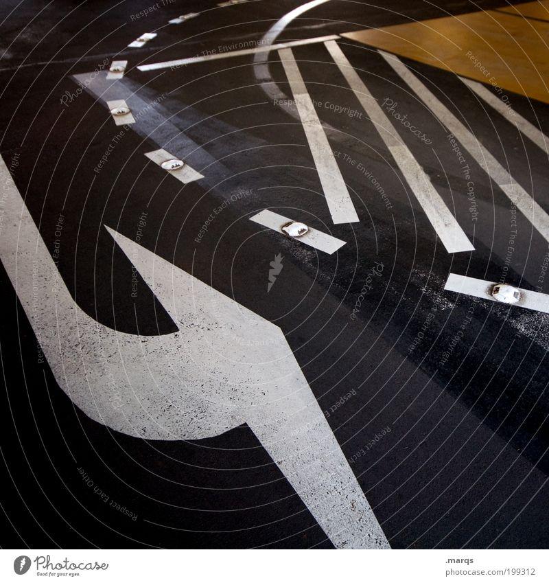 U-Turn Stadt dunkel Linie Ausflug Design Verkehr Streifen Zeichen Straße Pfeil Verkehrswege Mobilität Dynamik Kurve Straßenkreuzung Parkhaus