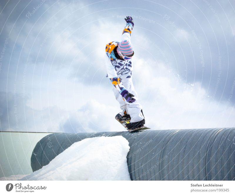 yeeeah! Mensch Himmel Natur Mann blau weiß Landschaft Wolken Winter Erwachsene Stil Sport Lifestyle Stimmung springen maskulin