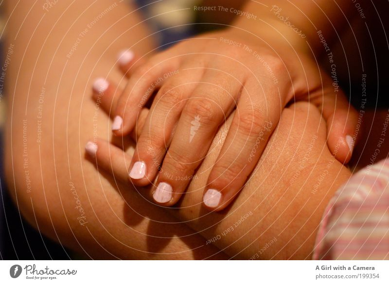 Beauty Tag - teil 2 Mensch Kind Hand schön Mädchen Kindheit rosa elegant Finger niedlich 8-13 Jahre Kosmetik Fingernagel Nagellack lackiert Kinderhand