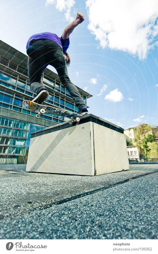 FS Noseslide-o-rama Mensch Himmel Jugendliche Stadt Freude Sport Spielen Stil Deutschland elegant maskulin Geschwindigkeit ästhetisch Lifestyle Bank Bankgebäude