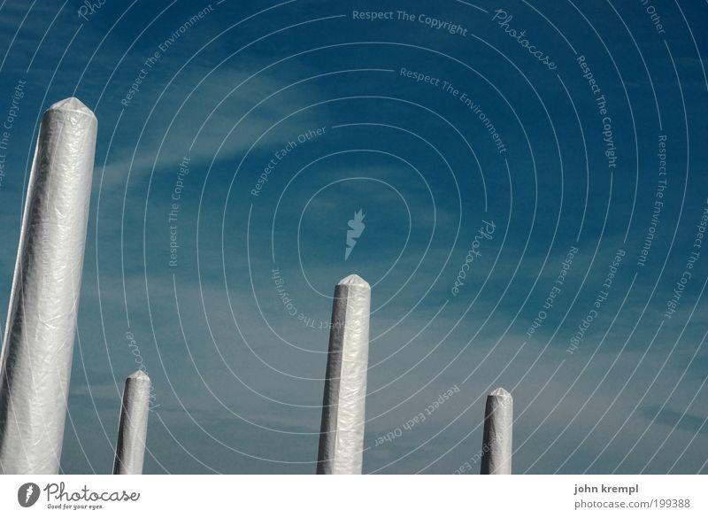 himmelstampons Himmel weiß blau kalt träumen Kunst Design Hoffnung modern ästhetisch Sauberkeit außergewöhnlich Röhren Kunststoff Sonnenschirm Skulptur