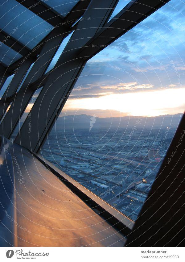 stratosphere_tower_01 Himmel Fenster hoch Niveau Aussicht Turm Hotel Abenddämmerung Architekt Spielkasino Nevada Stahlträger Überblick Las Vegas Fensterblick