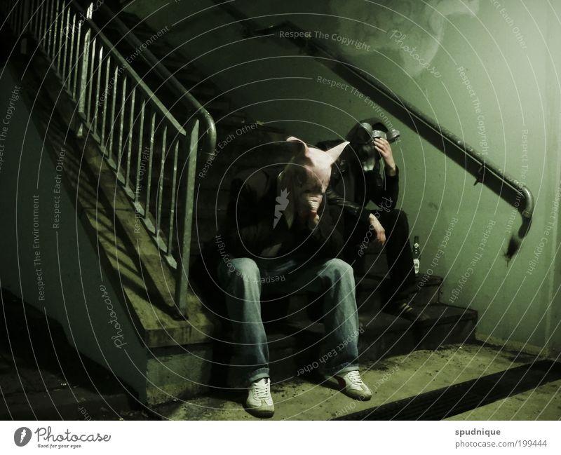 Daily Routine Mensch Jugendliche grün Erwachsene dunkel Gefühle Traurigkeit Stimmung sitzen Treppe maskulin trist Maske 18-30 Jahre trashig Zukunftsangst