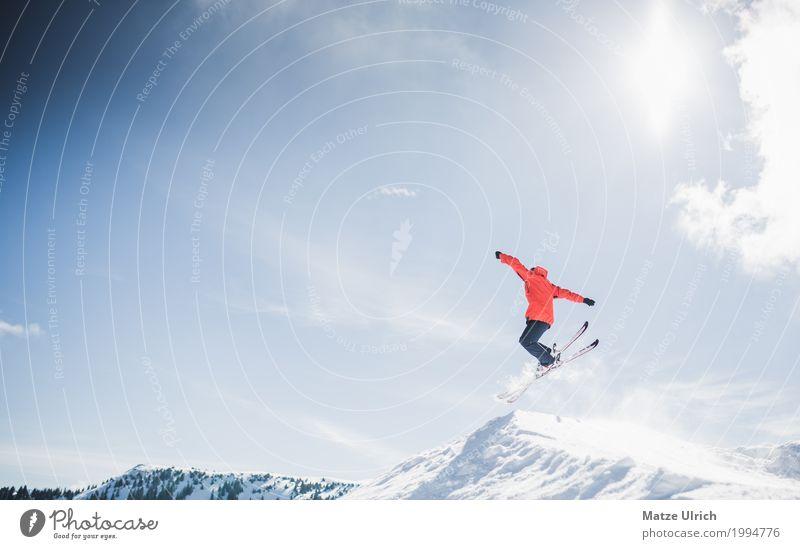 Freeskiing Mensch Himmel Jugendliche Junger Mann Winter Berge u. Gebirge Schnee Sport Freizeit & Hobby springen maskulin Gipfel Alpen Schneebedeckte Gipfel
