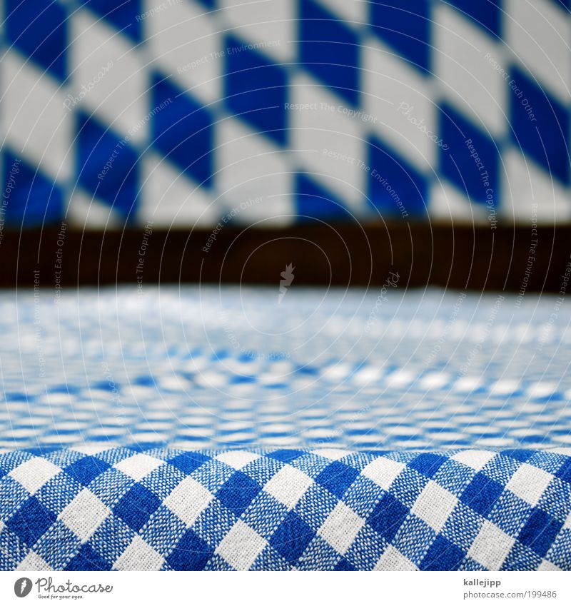 so sehen sieger aus... weiß blau elegant München Lifestyle Tisch leer Symbole & Metaphern Bayern Tradition Oktoberfest kariert Biergarten Tischplatte