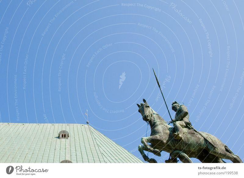 Rostritter Tier springen Bewegung Kraft Metall Pferd Dach Statue Denkmal Vergangenheit Bauwerk historisch Krieg Skulptur Wahrzeichen