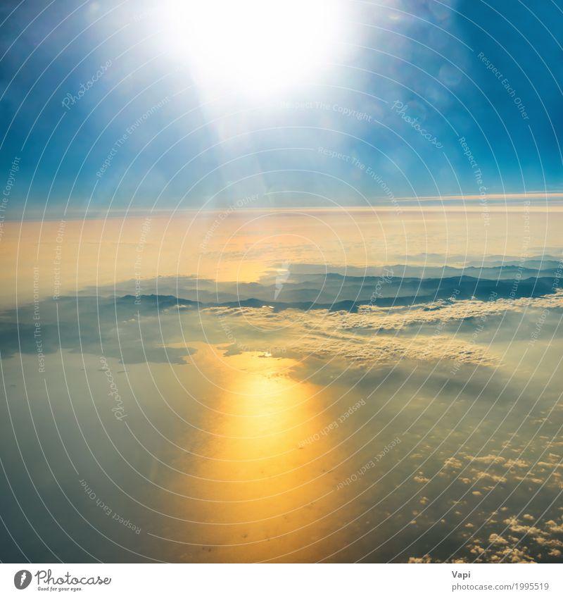 Luftaufnahme des Sonnenuntergangs auf dem Himmel mit Sonnenstrahlen Natur Ferien & Urlaub & Reisen Himmel (Jenseits) blau Sommer Farbe Wasser weiß Landschaft