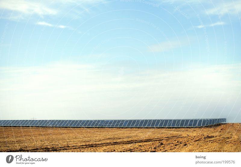 Energielandschaft Energiewirtschaft Fortschritt Zukunft Erneuerbare Energie Sonnenenergie Photovoltaikanlage Klimawandel Schönes Wetter Wärme Industrieanlage