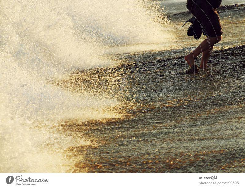 barefoot. Natur Wasser Ferien & Urlaub & Reisen Meer Strand Freude Erholung Leben Gefühle Freiheit Wellen Abenteuer Lebensfreude genießen Spanien Momentaufnahme